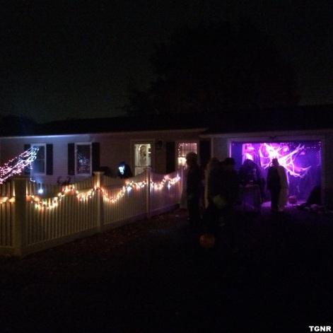 halloween-house-set-up-tgnr-image